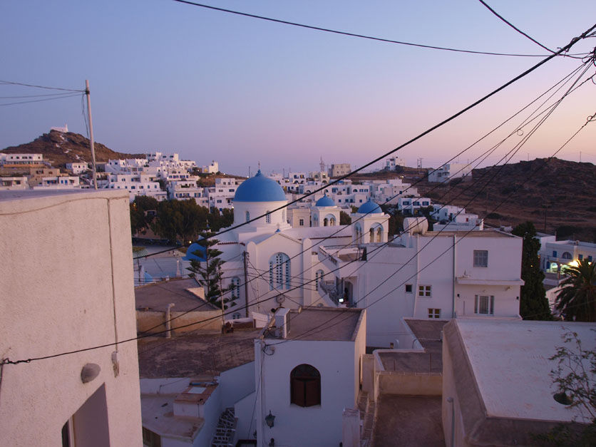I wish I could be like Spielberg filming Raiders in Tunis in 1980 and pay the locals to take down the wires and TV antennas to get an authentic shot. Pretend all the wires aren't there, I do.