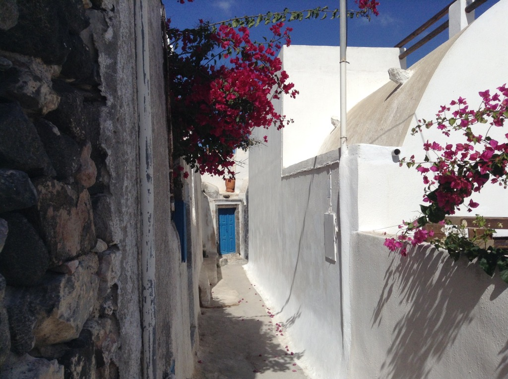 Down the backstreets of Pyrgos. Quietude. ©2014 Derek Henry Flood